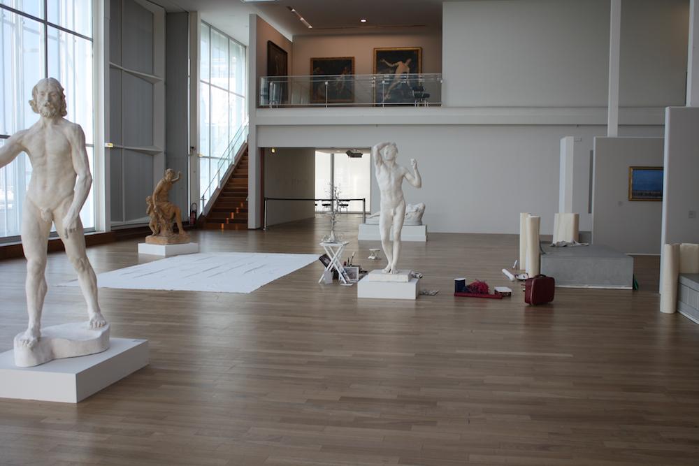 La ptite toile au Musée d'art moderne André Malraux, Le Havre, février 2013, carré blanc sur fond bleu cbsfb
