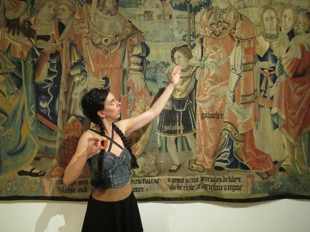 Musée MARQ, Clermont-Ferrand, juin 2014, Mon ancêtre Vercingétorix, carré blanc sur fond bleu