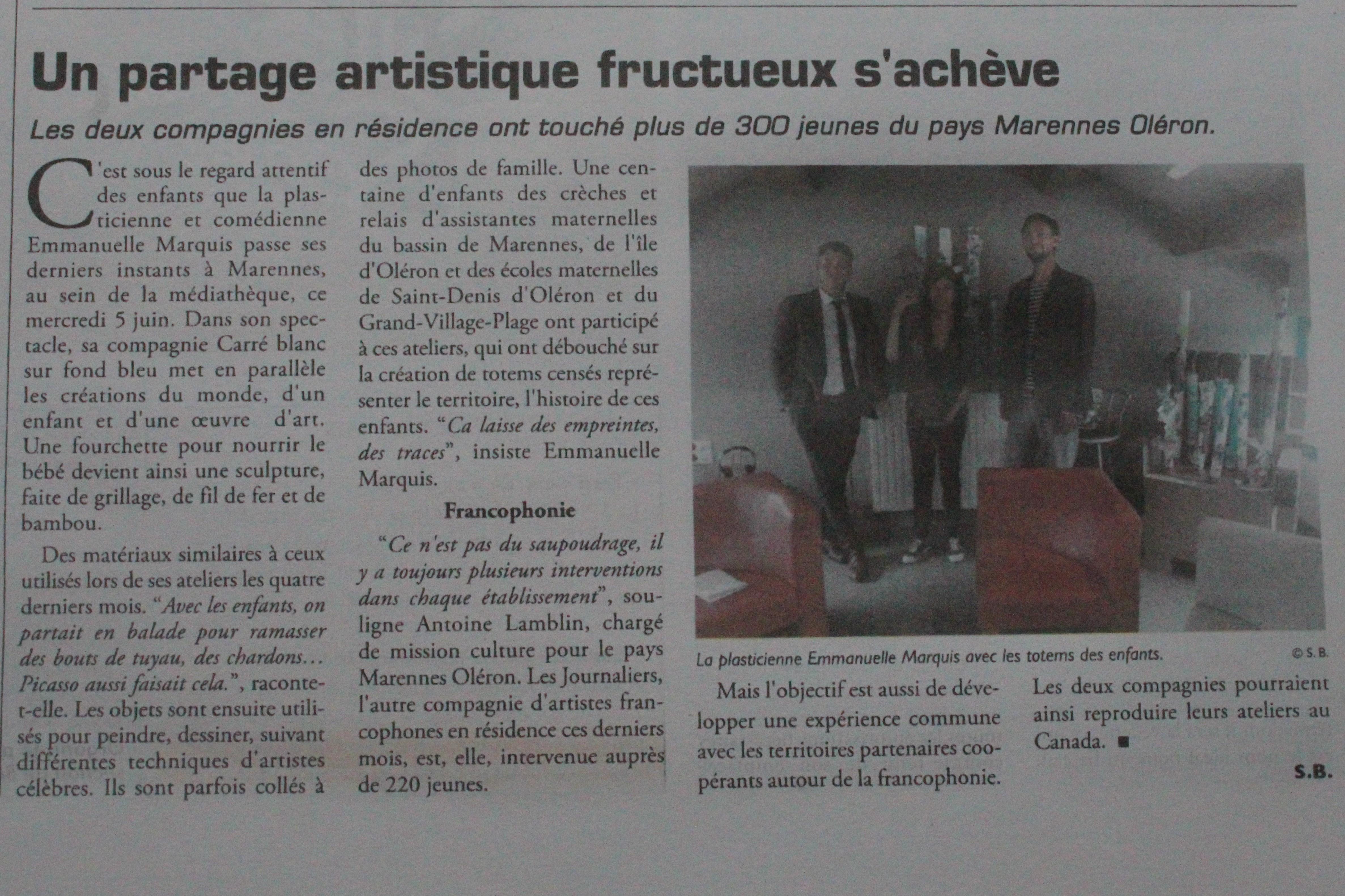 Article_a la_recherche_de_pablo_carre_blanc_sur_fond_bleu